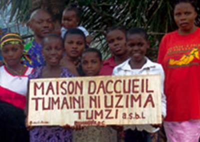Mantenimiento de la casa Tumaini ni uzima ('Sin esperanza no hay vida') de Bukavu