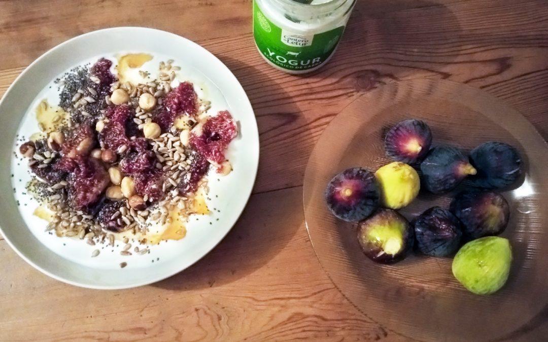 Receta de Yogur con Fruta y Semillas